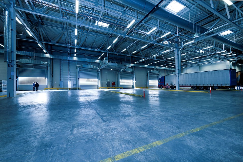 High Bay Lighting vs Low Bay Lighting for Your Business